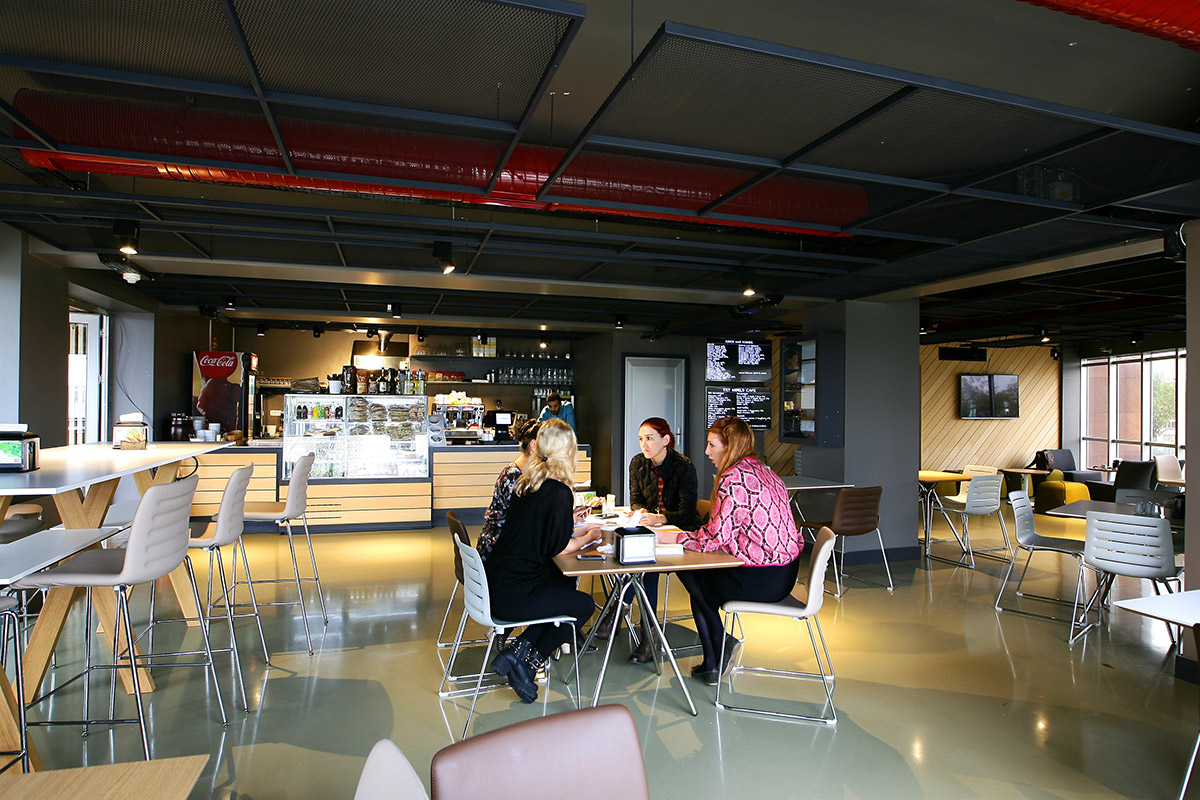 TRT World Kafe - Dinlenme